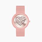 O clock face powder with sparkling hearts dial